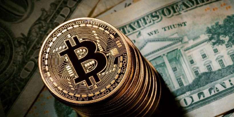 Курс биткоина превысил 8 тысяч долларов