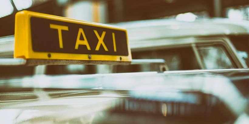 Клиенты банка ВТБ (Беларусь) могут воспользоваться скидкой в размере 50% на 2 первые поездки от сервиса Яндекс.Такси