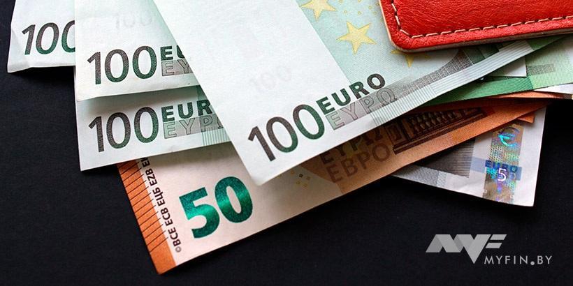 Курсы валют на 21 февраля: курс доллара – 1.9623, курс евро – 2.4163, 100 российских рублей – 3.4624